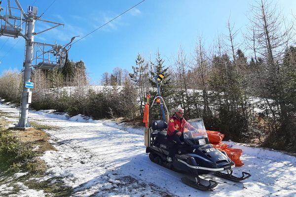 Pas de neige sur ce téléski à Turini Camp d'argent.