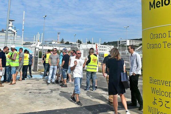 Les salariés grévistes devant l'usine Melox - juin 2019