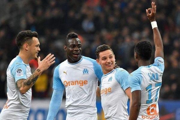 Mario Balotelli et ses co-équipiers marseillais lors du match face à Saint-Etienne au stade Vélodrome, le 3 mars 2019.