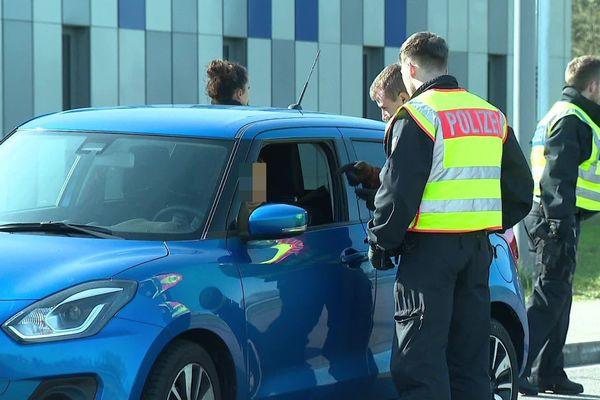 Un test négatif et une déclaration de déplacement vous seront demander en cas de contrôle de la police allemande.