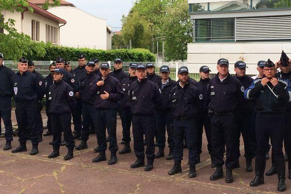 Au commissariat de Bayonne, une minute de silence en hommage à Xavier Jugelé