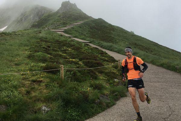 Jérôme Mirassou est arrivé en tête, en 13 heures deux minutes et 39 secondes, de l'ultra-trail du Puy-Mary Aurillac samedi 16 juin.