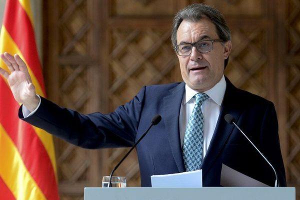 Artur Mas a annoncé le maintien d'un vote consultatif qui sera organisé le 9 novembre. Barcelone le 14 octobre 2014.