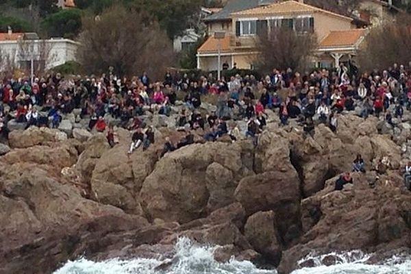 Sète (Hérault) - après une semaine de fête, les voiliers quittent le port devant la foule - 28 mars 2016.