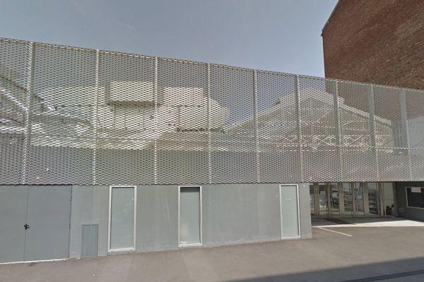 Le maire (LR) Rémi Muzeau veut transformer cette mosquée actuelle en une médiathèque.