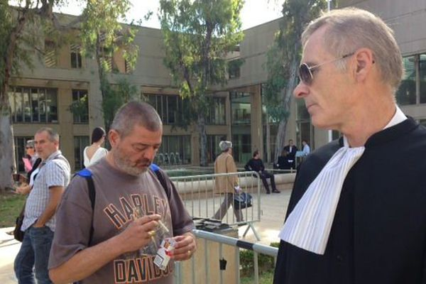 Nicolas Gillet et son avocat
