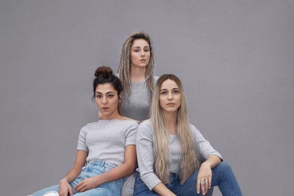 A gauche : Lucie - Au centre : Juliette - A droite : Elisa