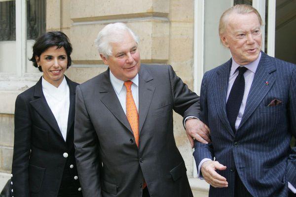 De gauche à droite, la ministre de la Justice Rachida Dati le jour de sa nomination, son prédécesseur Pascal Clément et l'ancien garde des Sceaux Albin Chalandon le 18 mai 2007.