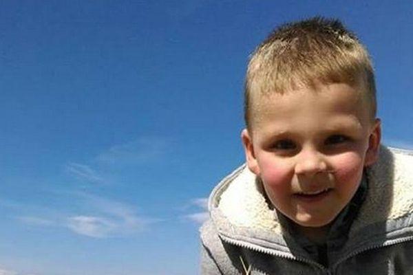 Yanis, 5 ans, est mort des suites d'un traumatisme crânien, lié à des violences volontaires