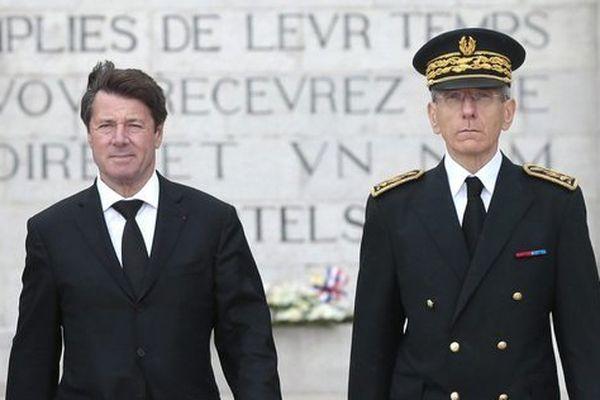 15 juin 2016 à Nice. Chistian Estrosi et Adolphe Colrat lors d'un hommage.