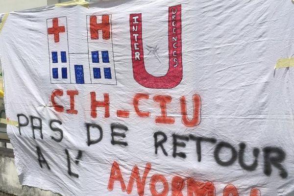 Une banderole déployée lors de la manifestation de ce mardi 16 juin à Grenoble