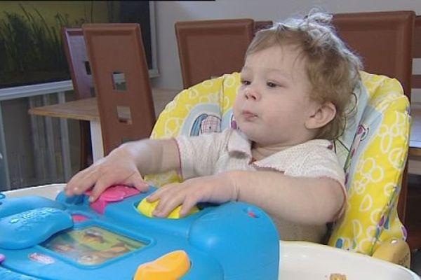 Lila est atteinte d'une maladie générique rare.