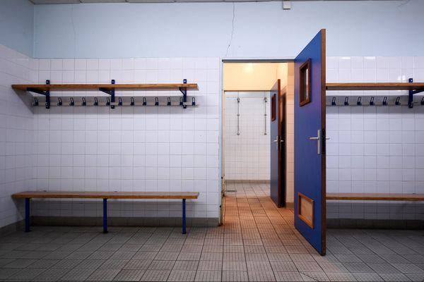 Par un arrêté en date du 15 ocotobre 2020, la Préfète d'Ardèche a interdit l'accès aux douches dans les vestiaires de sports collectifs.