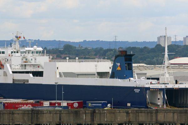 Un navire de fret de P&O accosté au port de Tilbury, en Angleterre.