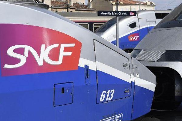 TGV en gare de Marseille