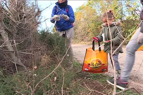 Les habitants de Ponteilla, dans les Pyrénées-Orientales se sont mobilisés pour rendre la nature plus propre -18 mars 2018