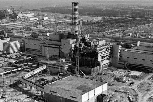 Le réacteur numéro 4 de la centrale nucléaire de Tchernobyl en avril 1986