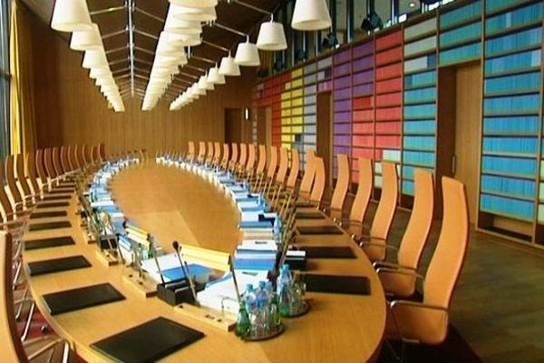 La salle des délibérations de la Cour Européenne de Justice à Luxembourg, un lieu inaccessible sauf lors des portes ouvertes.