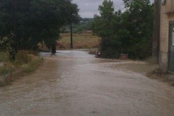 Une voie inondée au Beausset