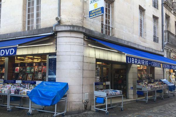 Le magasin de la librairie Gibert Joseph à Poitiers.