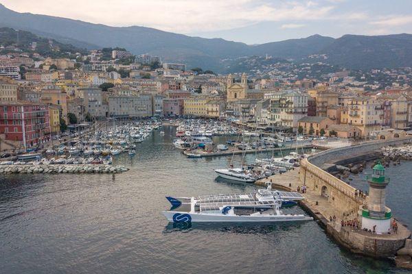 Ecologie – L'Energy Observer en escale à Bastia (Haute-Corse) le 6 août 2018.