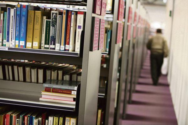 A Paris, le personnel des bibliothèques appelé à la grève contre le pass sanitaire. Plusieurs établissement ont déjà fermé leurs portes.
