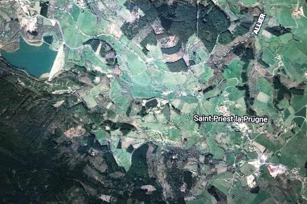La commune de Saint-Priest-la-Prugne dans le nord de la Loire