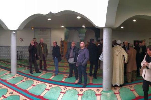 La mosquée d'Elbeuf accueille le public les 9 et 10 janvier 2016.