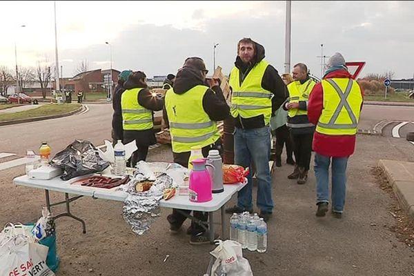 """Rassemblement de """"gilets jaunes """" à Evreux le 19 novembre 2018"""