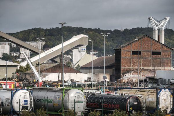 Le site de Lubrizol à Rouen, le 30 septembre 2019, quatre jours après l'incendie.