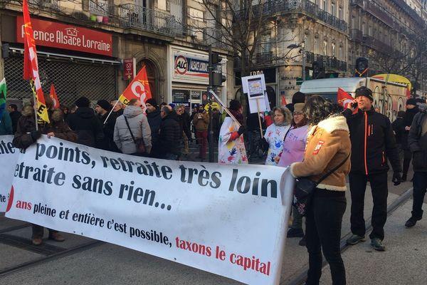 Des manifestants lors du dernier défilé contre la réforme des retraites à Grenoble - Photo d'illustration