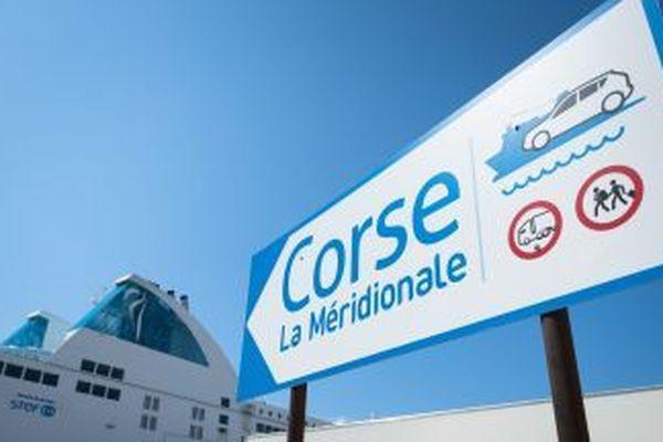 ILLUSTRATION / Quai d'embarquement de la Méridionale à Marseille