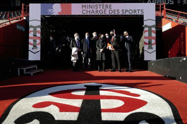 Le Président du Stade Toulousain Didier Lacroix a présenté à la ministre des sports Roxana Maracineanu les difficultés financières du club-phare du rugby français, provoquées par la crise de la Covid-19 et le huis-clos imposé par la loi d'état d'urgence sanitaire.