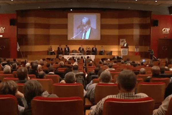 Les candidats aux régionales en Nord-Pas-de-Calais Picardie et leurs représentants ont eu sept minutes pour convaincre les agriculteurs du bien-fondé de leurs propositions pour l'agriculture.