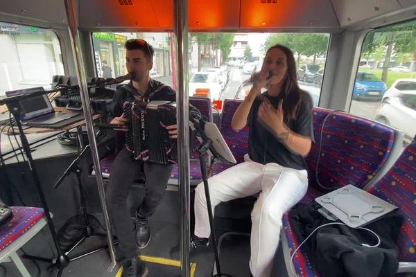 """""""La boîte à musique"""", le bus festif de l'agglo de Rodez va circuler jusqu'à vendredi soir 23h."""