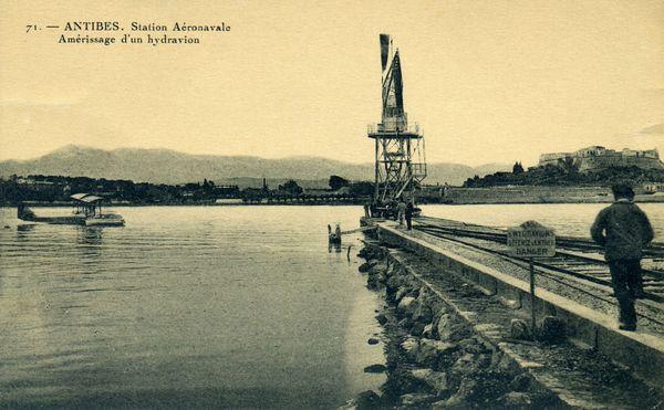 La station aéronavale et le fort Carré d'Antibes dans les années 20