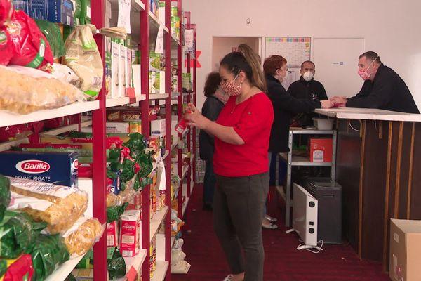 Distribution de denrées à Elbeuf
