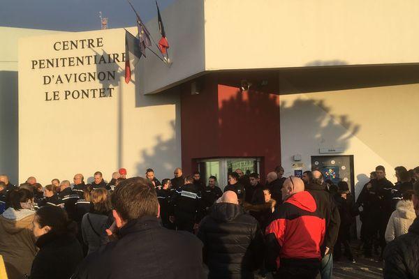 Les gardiens de prison du Pontet ont bloqué les accès vers 6 h.