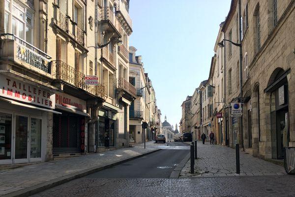 Depuis  hier,  Périgueux prend des allures de ville morte