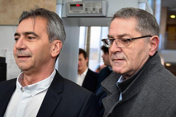 """Pascal Fauret et Bruno Odos, pilote et co-pilote, devant la cour d'assises d'Aix-en-Provence avant le procès """"Air Cocaïne"""" le 18 février 2019."""