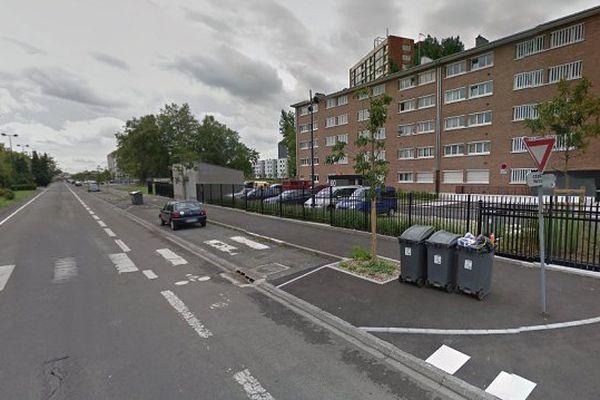 Le corps a été découvert dans une voiture dans le quartier des Trois-Ponts à Roubaix.