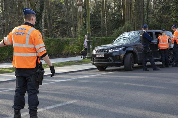 Un contrôle de police en Belgique, le 28 mars 2020