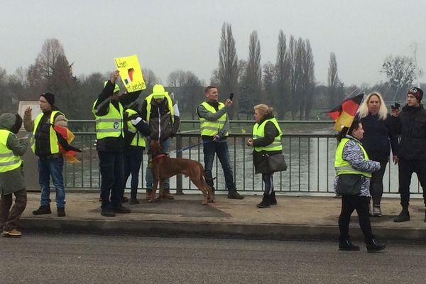 Le mouvement des gilets jaunes va-t-il faire tâche d'huile en Allemagne ?