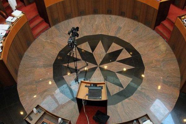 Jeudi 19 décembre, les présidents du conseil exécutif et de l'Assemblée de Corse ont ouvert la dernière session de l'année en dénonçant l'action judiciaire de l'État en Corse suite aux interpellations et aux mises en examen de militants nationalistes la semaine dernière.