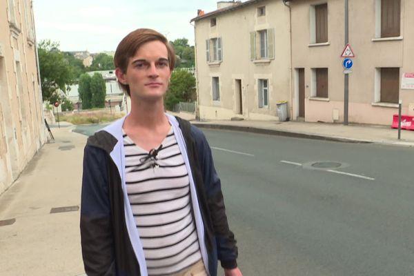 Mendy, 22 ans, a été victime d'une agression transphobe dans la nuit de jeudi à vendredi, sur le viaduc Léon-Blum.