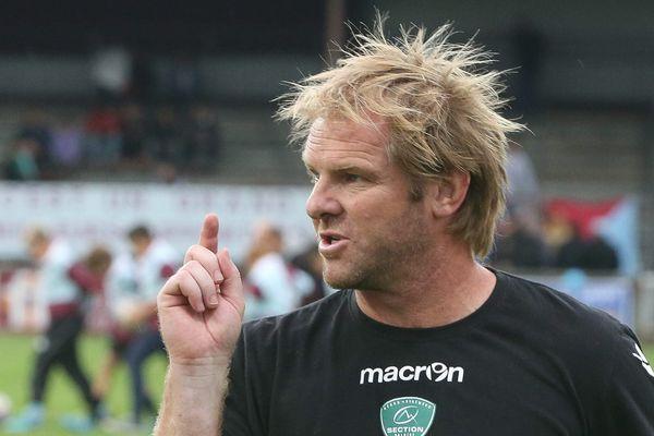 Simon Mannix, manager sportif de la Section Paloise, lors du match contre Bourgoin-Jallieu le 05 Octobre 2014.