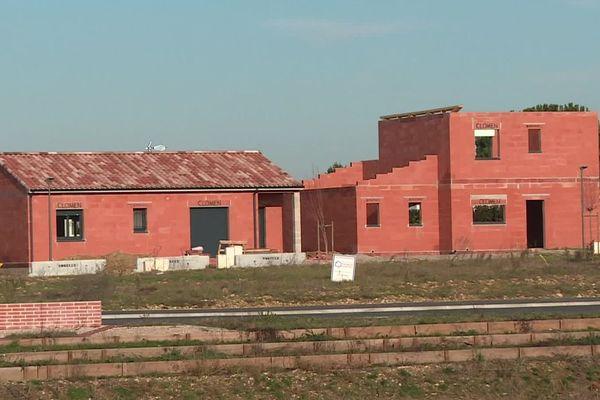 Des maisons en construction sur la commune tarnaise de Saint-Sulpice-la-Pointe