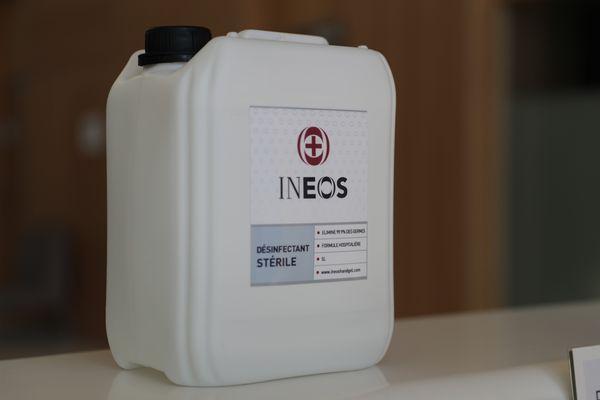 Le groupe chimique Ineos va produire 1 million de bouteilles de gel hydroalcoolique par mois à Étain, à l'Est de la France, pour desservir les hôpitaux de la région et ceux de Paris.