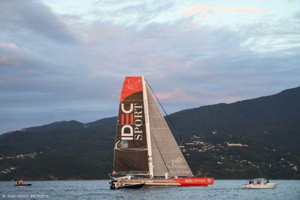 Idec Sport sous le soleil déclinant de la Guadeloupe