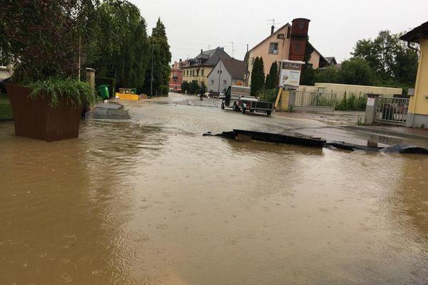 Hégenheim dans le Haut-Rhin sous l'eau pour la deuxième fois en trois jours.